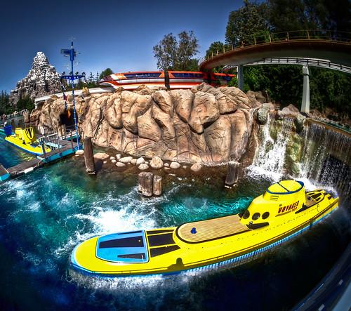 Finding Nemo Submarine Voyage - Disneyland | I got this ...