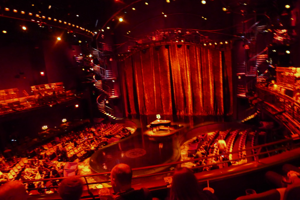 Zumanity Stage Hwgirl Flickr