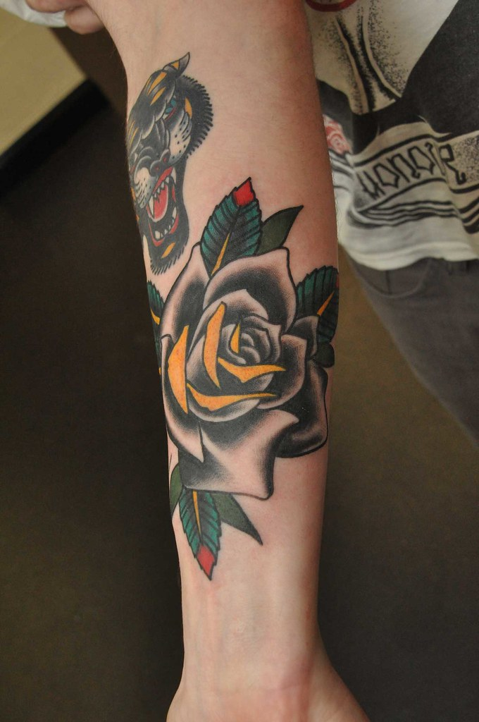 Rose Traditional Tattoo: TRADITIONAL BLACK ROSE TATTOO