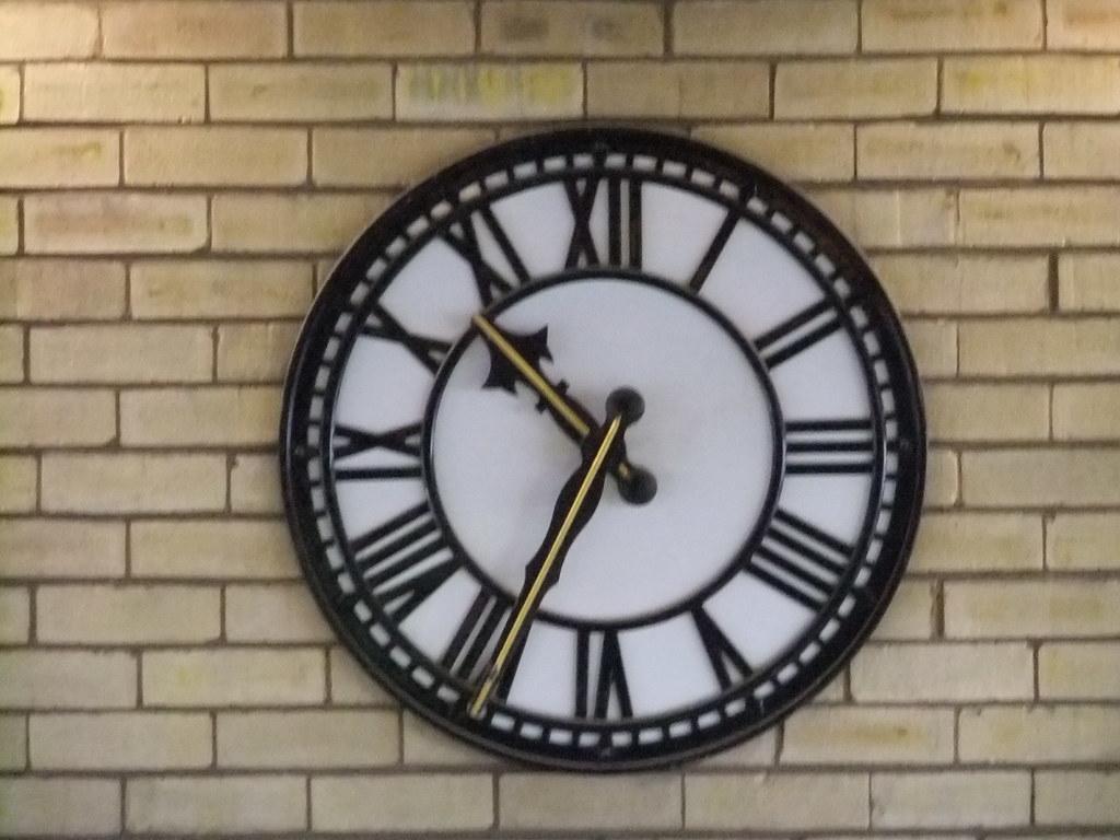 Clock The Clock On Rochdale Railway Station Oatsy40 Flickr