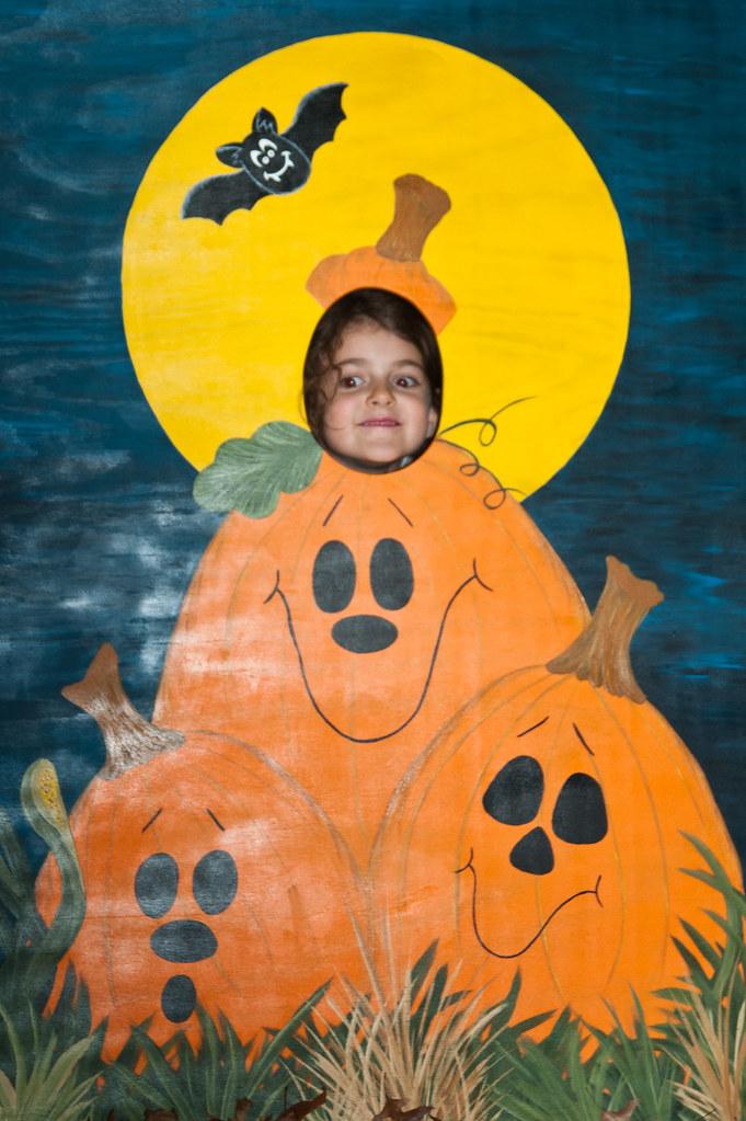halloween face in hole heather katsoulis flickr - Face In Hole Halloween