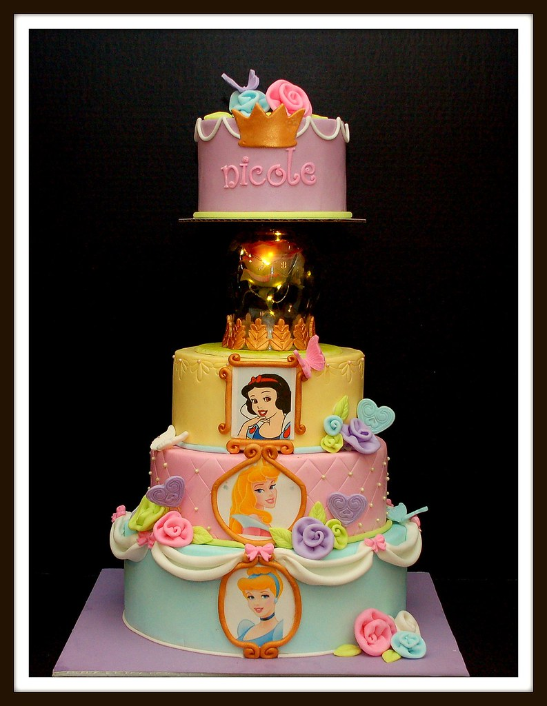 Disney Princess Cake Client gave me a photo of the cake ...