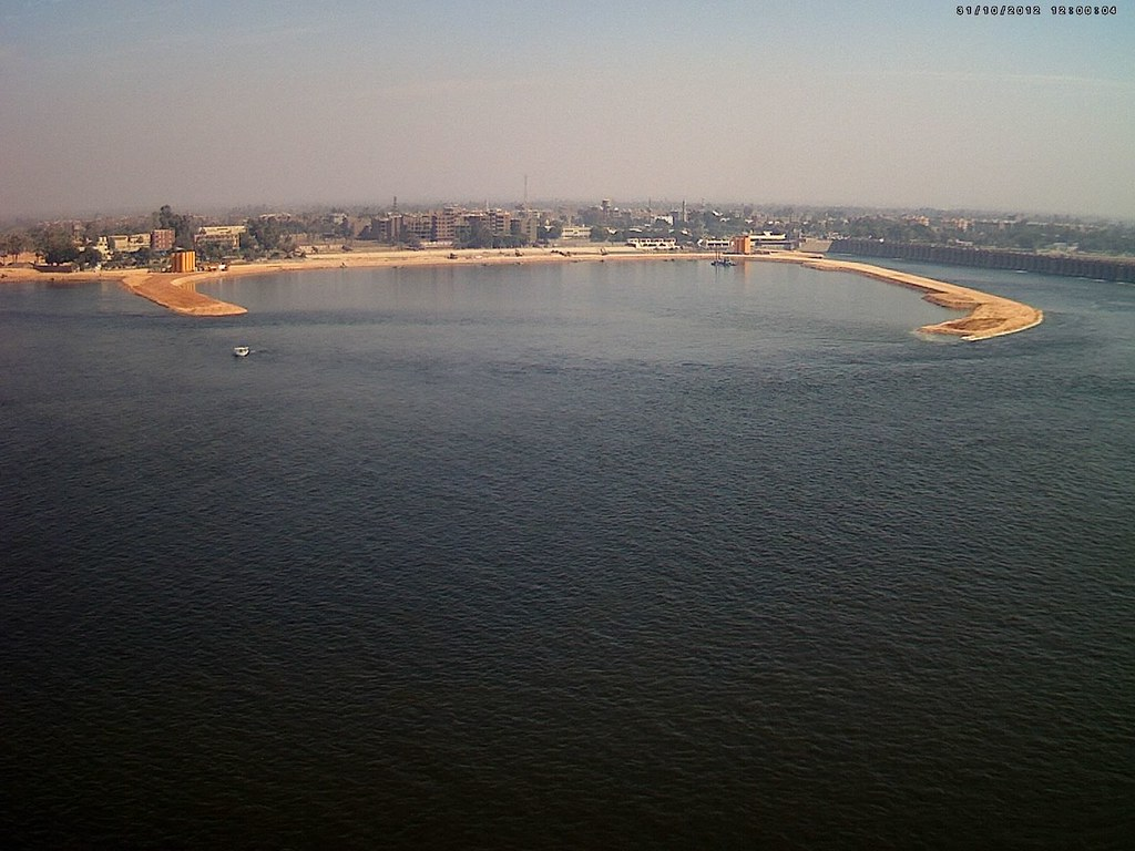 Assiut Barrage, to rehabilitate or to rebuild ...