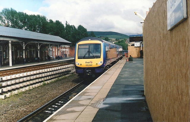 Stalybridge Station and Class 170 DMU