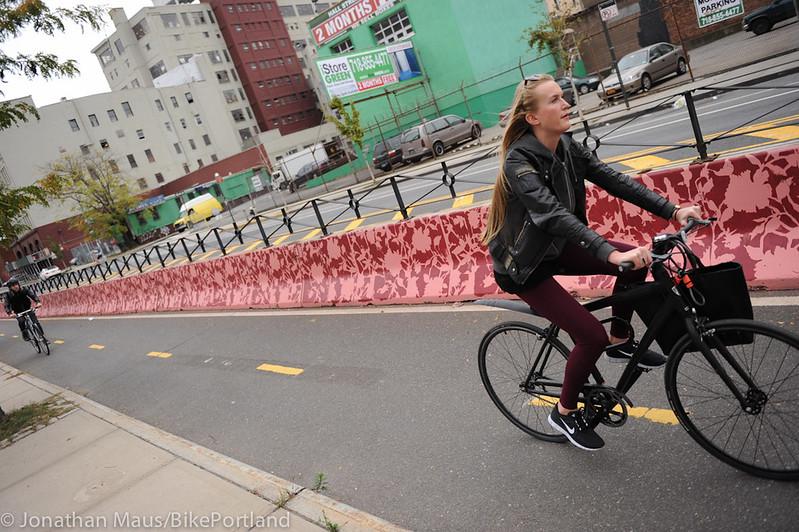 Flushing St protected bike lane-7