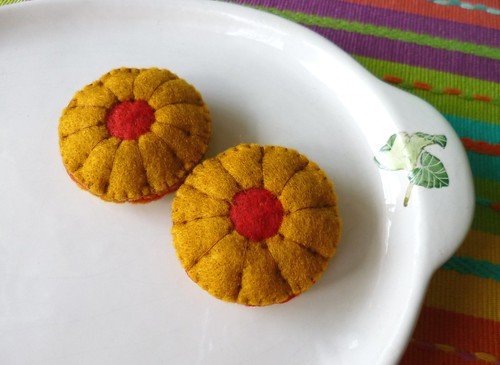 : Felt play food - Jam biscuits | by adline✿writes