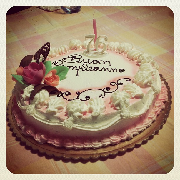 Auguri Matrimonio Nonna : Auguri di buoncompleanno nonnina compleanno nonna to