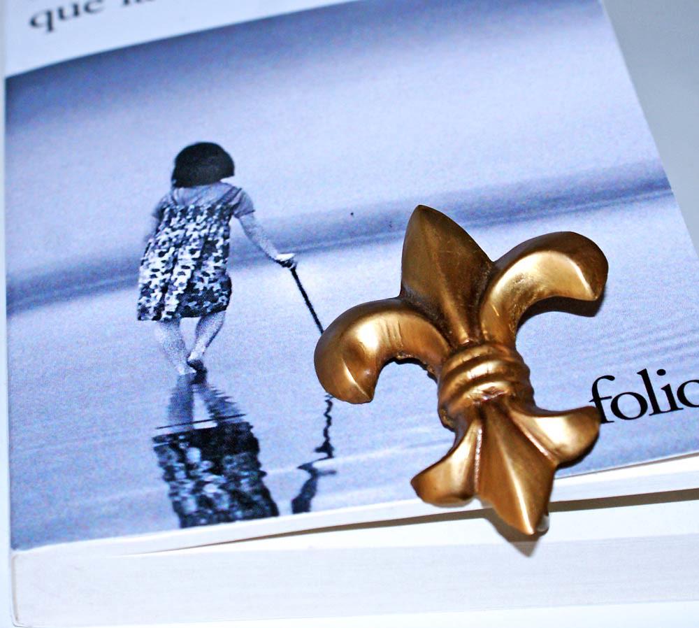Marque Page Fleur De Lys Photos Under Creative Commons Att Flickr