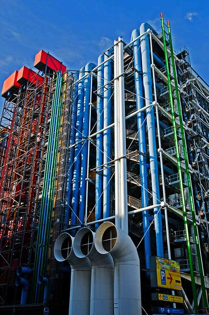 Paris beaubourg architecture industrielle flickr photo for Architecture industrielle