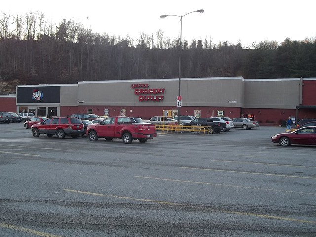 Hazard (KY) United States  city pictures gallery : United Grocery Outlet and Jabo's State of Mine, Hazard, KY former ...