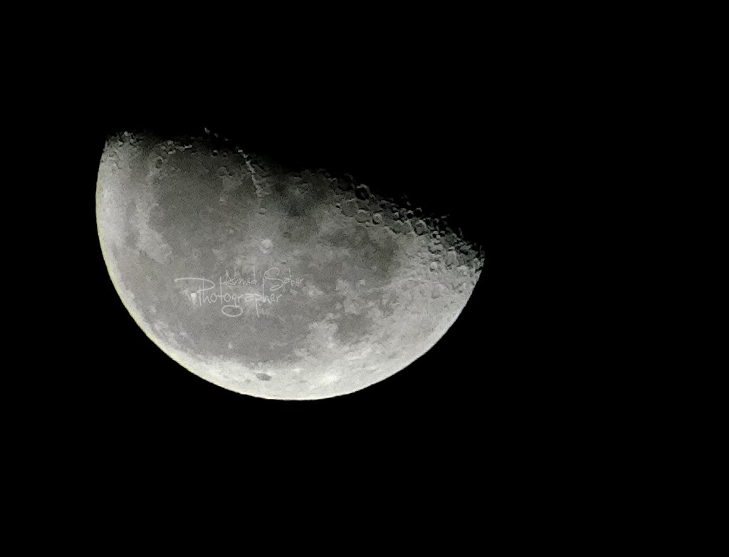 what is the half moon on my iphone half moon ahmed saber flickr 21223