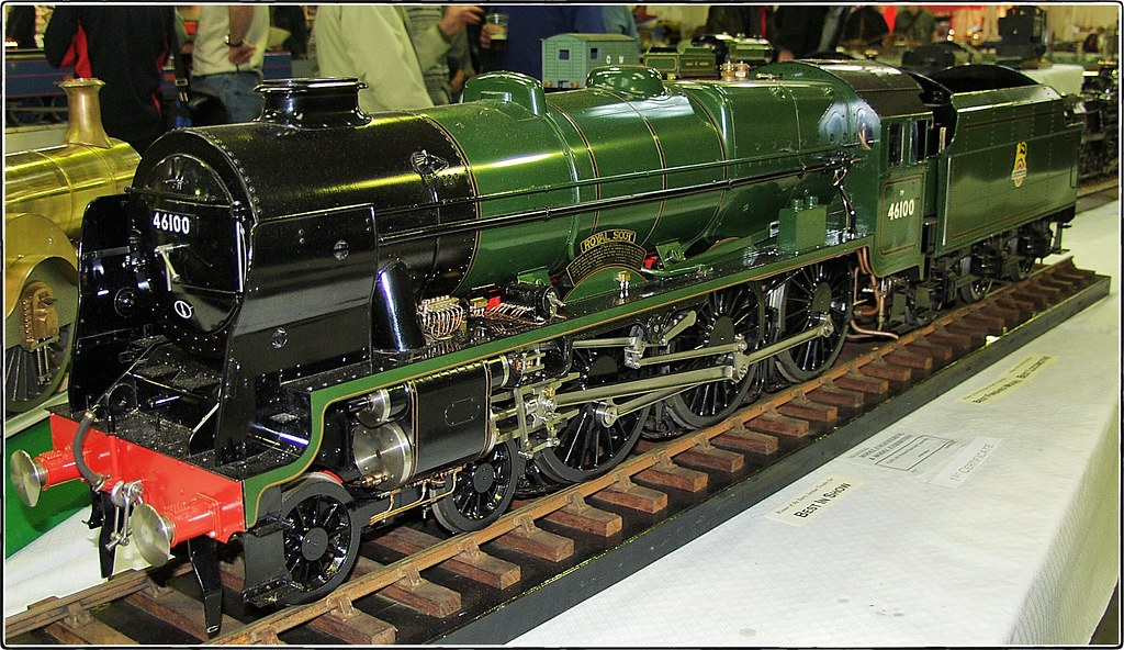 LMS Royal Scot Class 4-6-0 No 46100 'Royal Scot'. Harrogat ...: https://www.flickr.com/photos/66202473@N04/8166990354