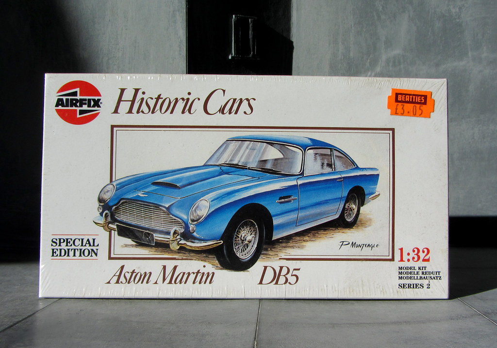 ... Airfix Special Edition Historic Cars Plastic Model Kit Aston Martin DB5    5 Of 7 |