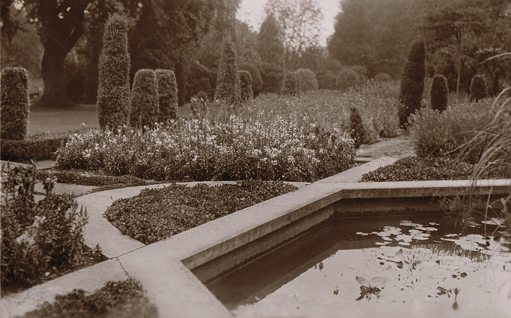 Walmsgate hall gardens revivalheritage 1900 walmsgate for Garden design 1900