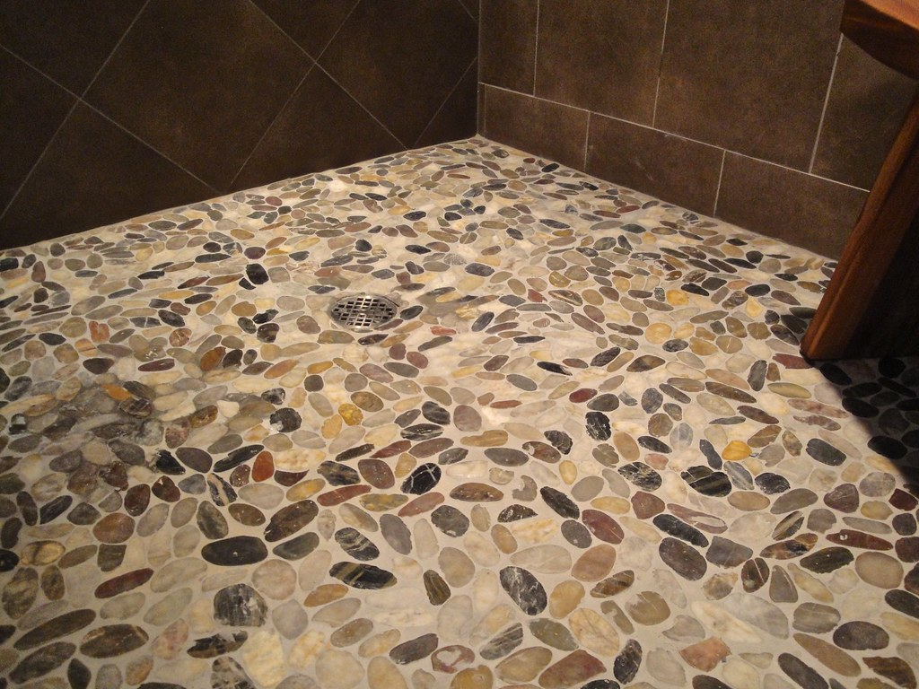 Shaved River Rock Floor In Shower Stain Free Grout Flickr