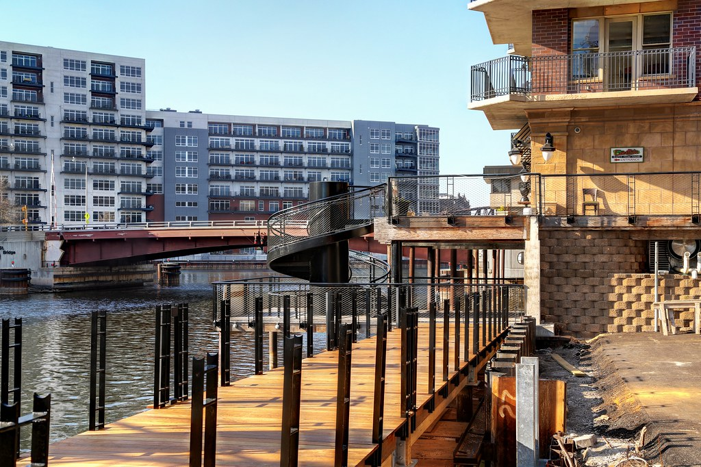 New Section Of Milwaukee S Riverwalk Under Construction