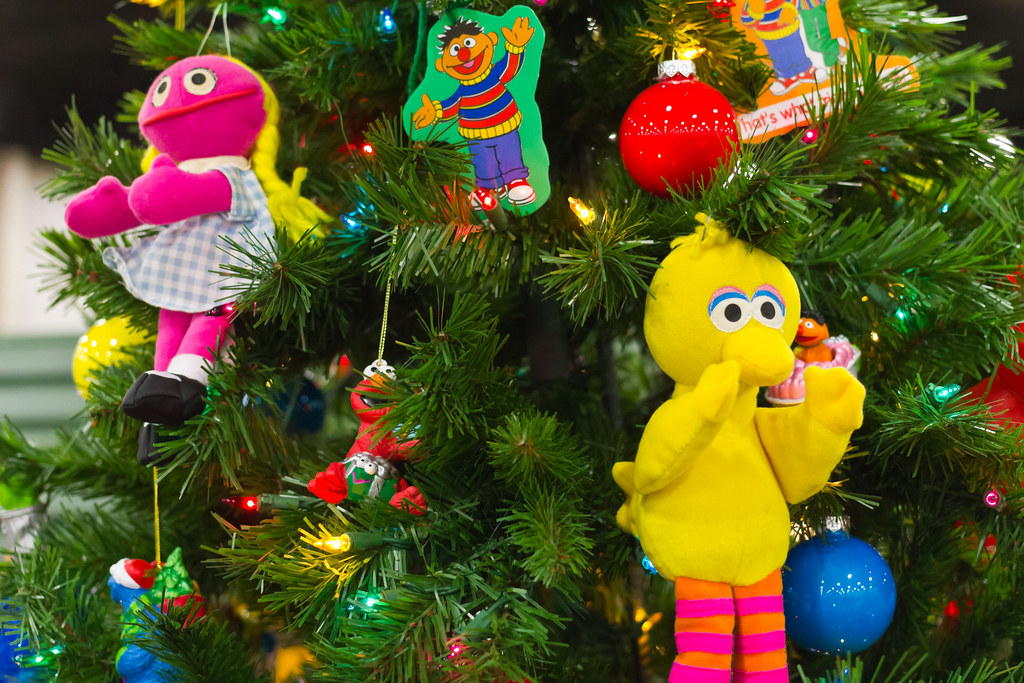 ... Sesame Street Christmas Tree | by DeanAndrew.com - Sesame Street Christmas Tree DeanAndrew.com Flickr