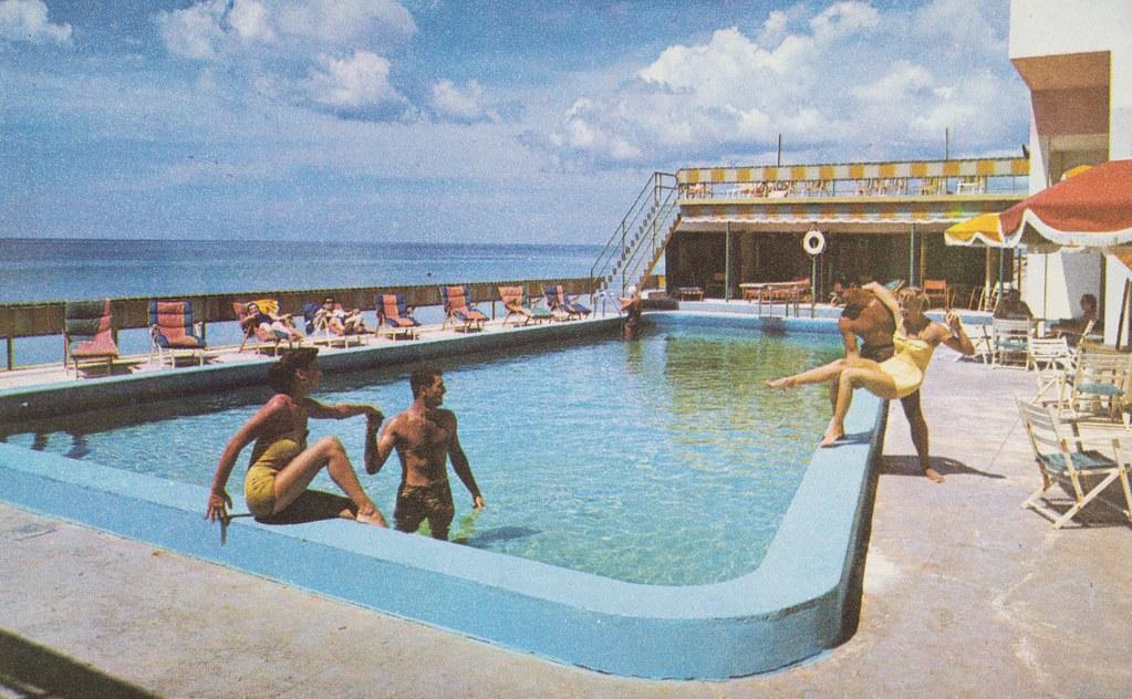 Johnina Hotel - Miami Beach, Florida