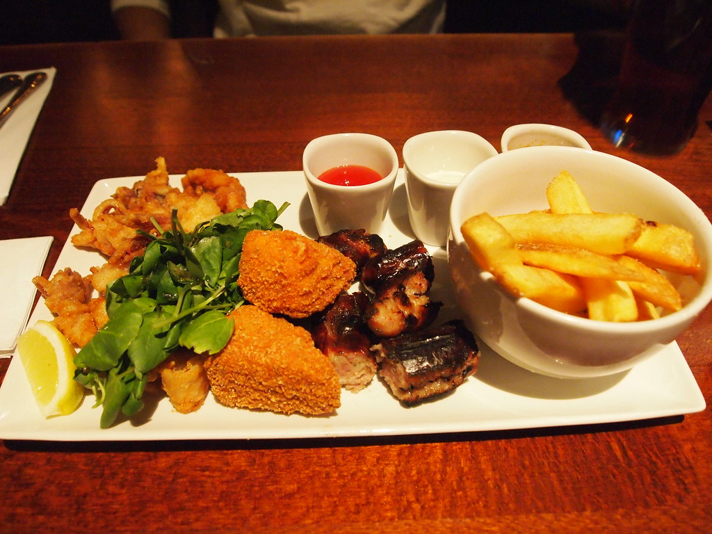 Delicious pub food olympus digital camera for Bar food yummy