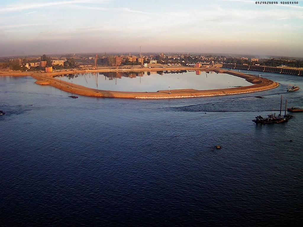 Impact of rehabilitation of Assiut barrage, Nile River, on ...