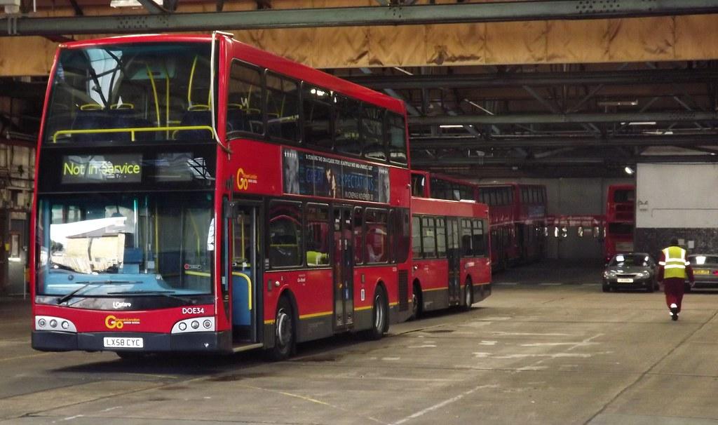 Doe34 sutton bus garage stabled inside sutton bus for Garage ad buc