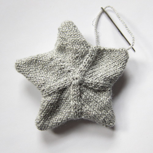 Iron Craft Challenge #24 - Knit Star Ornaments | by katbaro