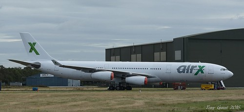 9h big airbus a340 312 air x charter ex m vvip for Air france assistance chaise roulante