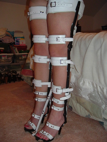 Front Angled View Shows Braces With Toe Limiter Strap In P