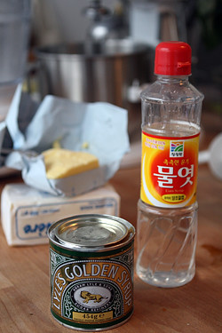 golden syrup and corn syrup for gooey cinnamon cake | by David Lebovitz