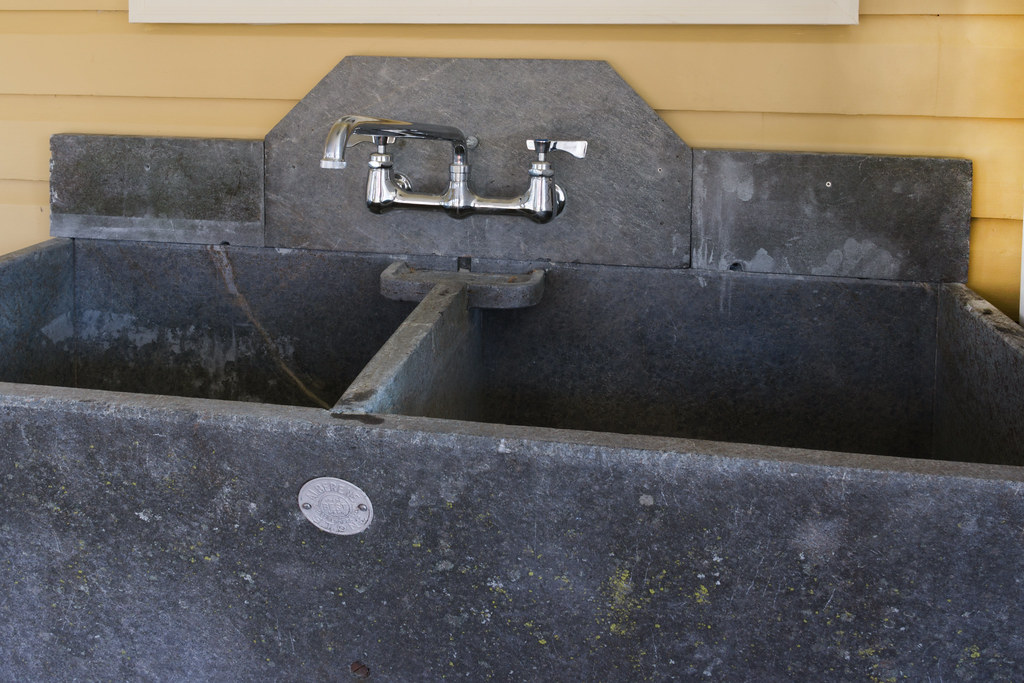 Soapstone Sink : Soapstone sink backsplash The lead carpenter made up a bac ...