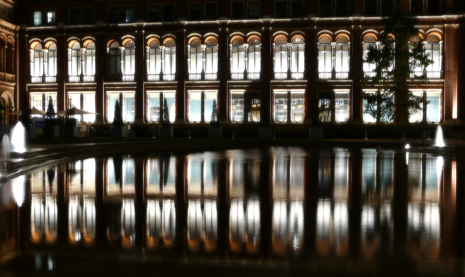 Visit The Victoria And Albert Museum For Free