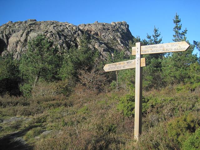 Señal en la subida al monte Pindo