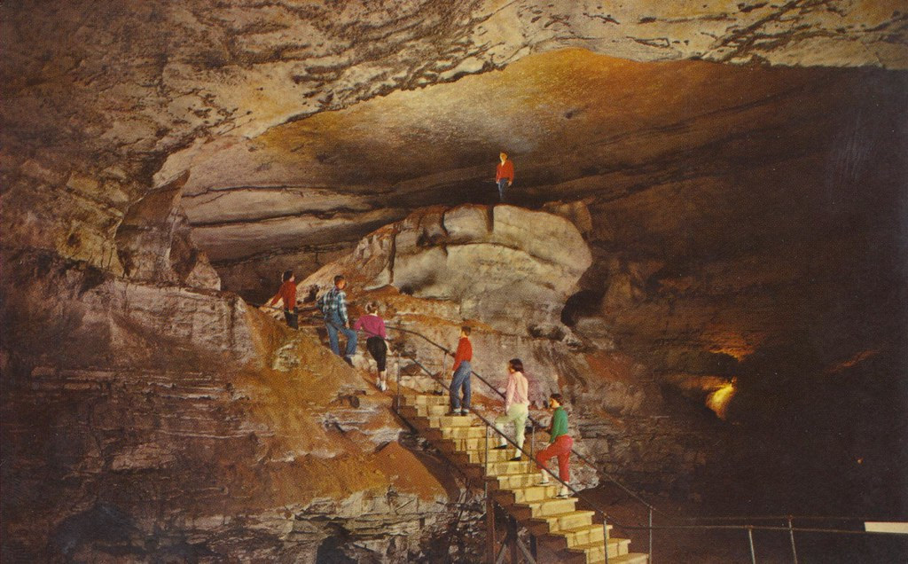 hamlets cave Robert browning, the pied piper of hamelin: a child's story many are familiar with the story of the pied piper of hamelin few realise however.