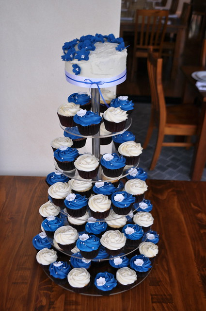 Royal blue and cream wedding cupcakes | Flickr - Photo ...