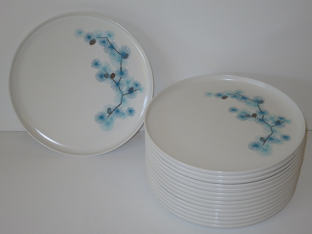 ... 1950s Melmac Aztec Dinnerware Plates Set of 15 in Very Good Vintage Condition 50s Pinecone Pine & 1950s Melmac Aztec Dinnerware Plates Set of 15 in Very Goo\u2026 | Flickr