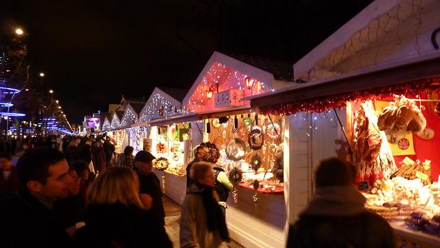Marché de Noël Paris Christmas Market Champs-Élysées