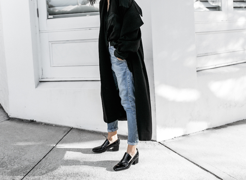 denim street style inspo fashion blogger minimal black outfit modern legacy bassike farfetch block heel loafer Gucci Dionysus bag (7 of 8)-2