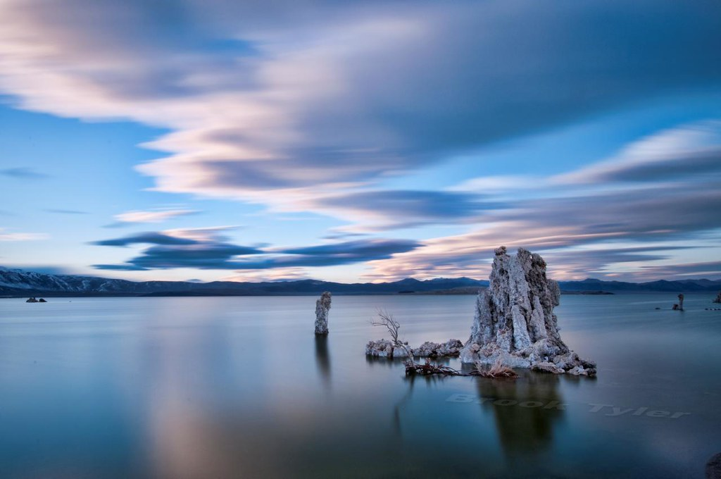 Mono Lake blue hour | The long exposure (103 seconds) helped ... Longexposure