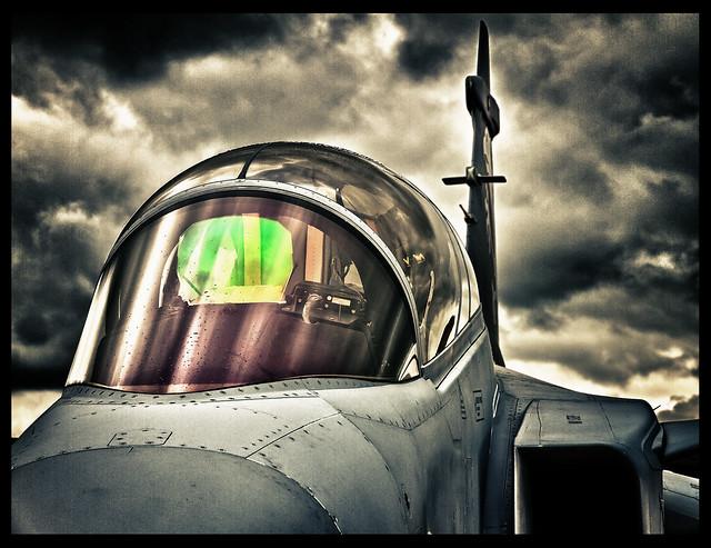 FAB assina contrato de manutenção dos Gripen NG