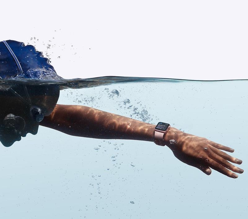 Водонепроницаемость Apple Watch 2 до 50 метров