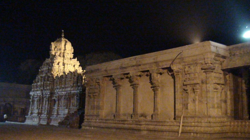 brihadeeswara temple essay Thanjavur information and tanjore temple  tanjore temple or brihadeeswarar  temple tanjore temple is also called as peruvudaiyar koil in tamil it is an.