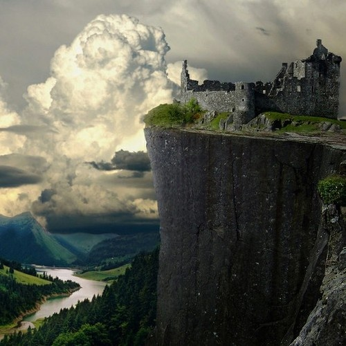 Amazing Places To See Scotland: Rocky Perch, Kilchurn Castle, Scotland.