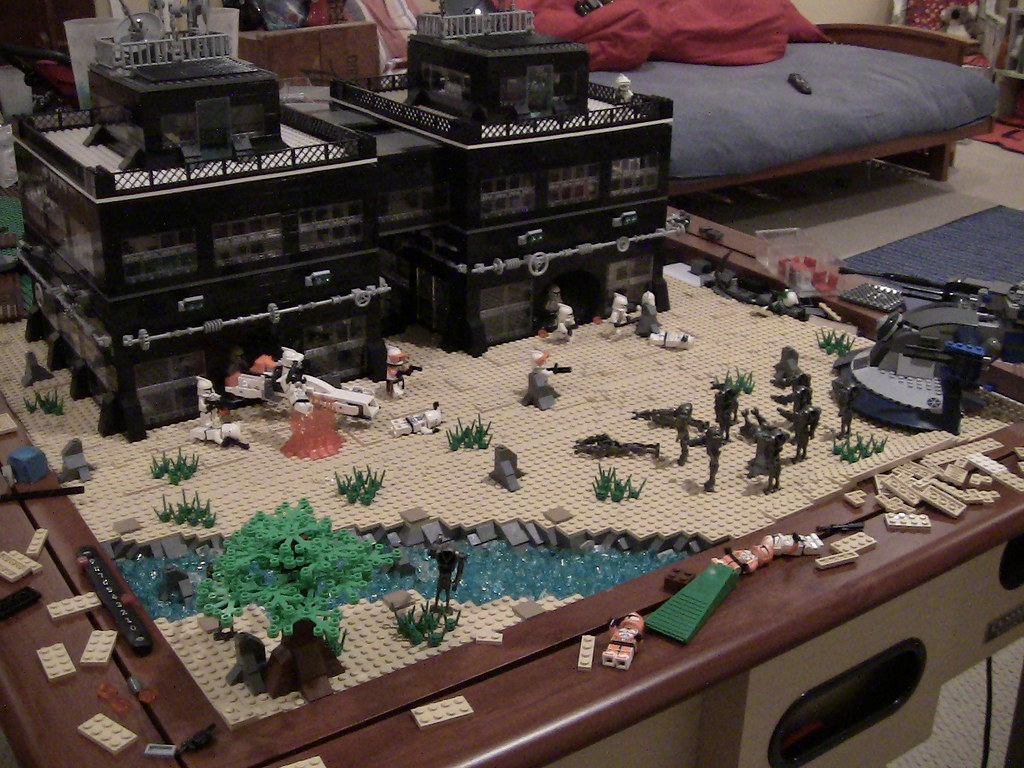 Lego star wars clone base on ryloth watch the video here flickr - Lego star wars base droide ...