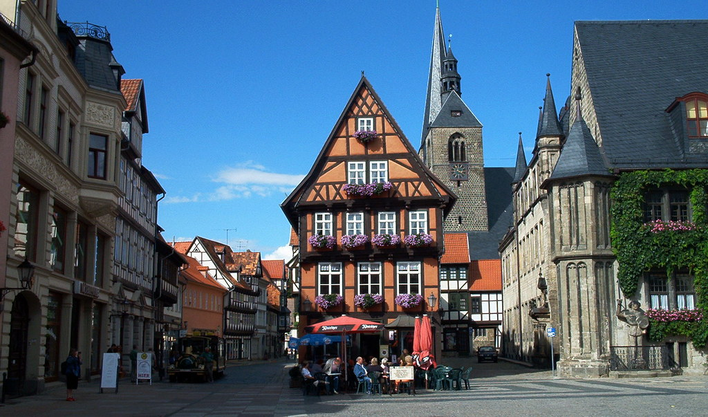 Fachwerk in quedlinburg germany alexandra mordant flickr for Fachwerk 3d