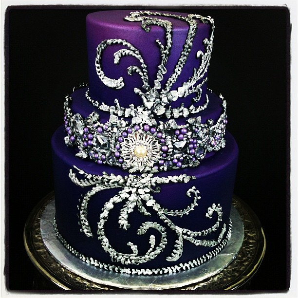 prettiest wedding cakes in the world maybe the prettiest cake i ve made bling purple 18729
