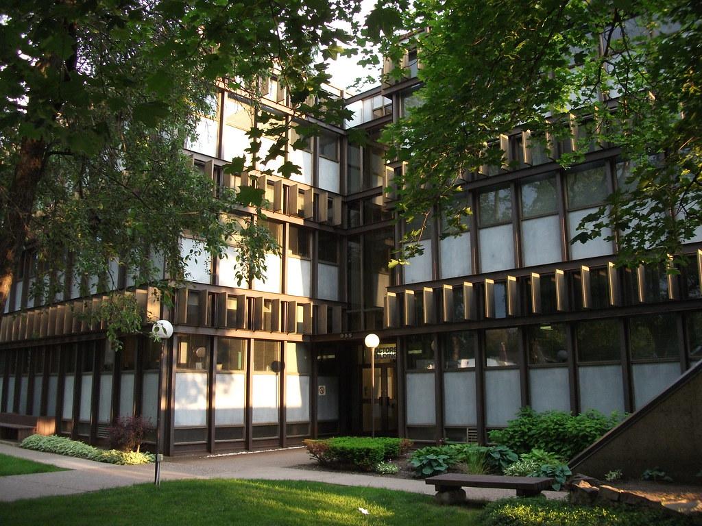 Doctors Building 955 Queen Street East