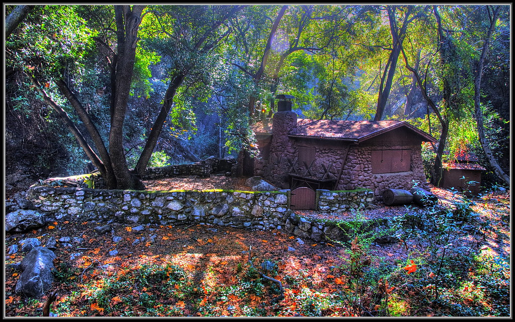 Cabin in the woods | Saw this nice cabin on a hike in the ...