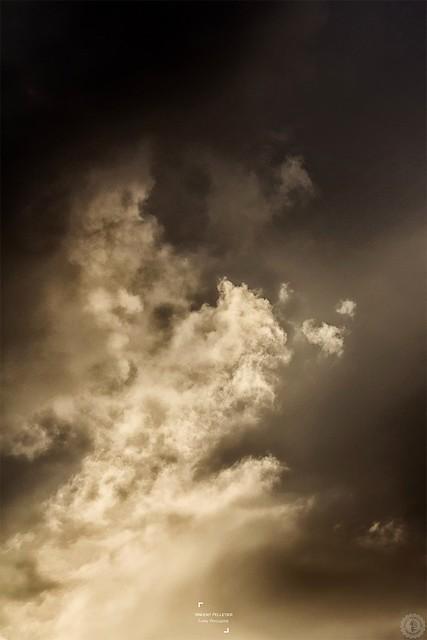 Golden light cloud photography
