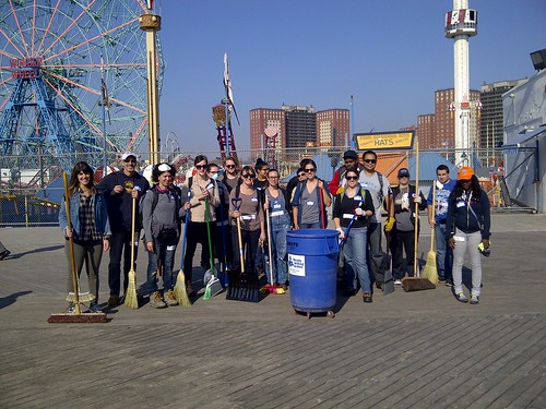 Group Pic After Coney Island Clean Up | by Luna Park Coney Island