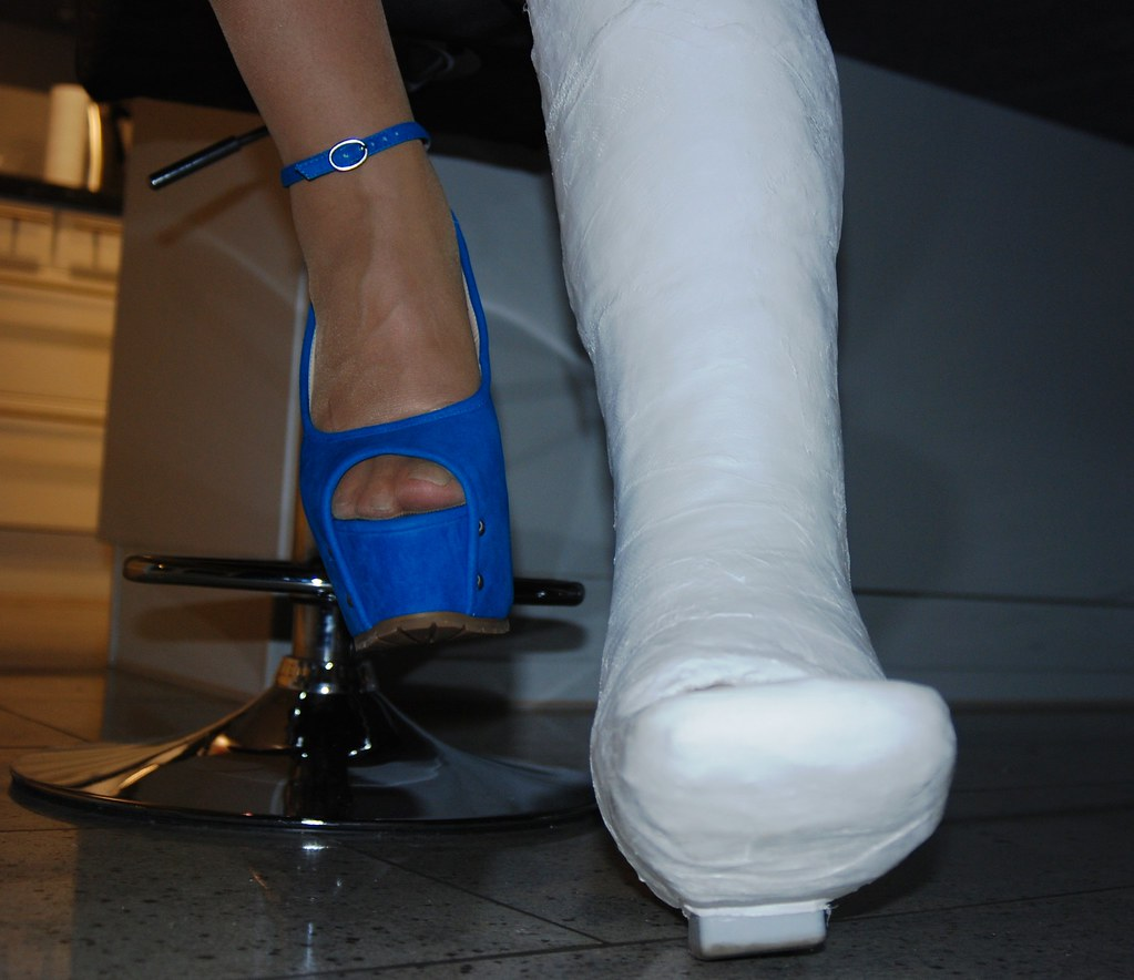 Foot and high heel fetish with mistress tangent - 3 part 8